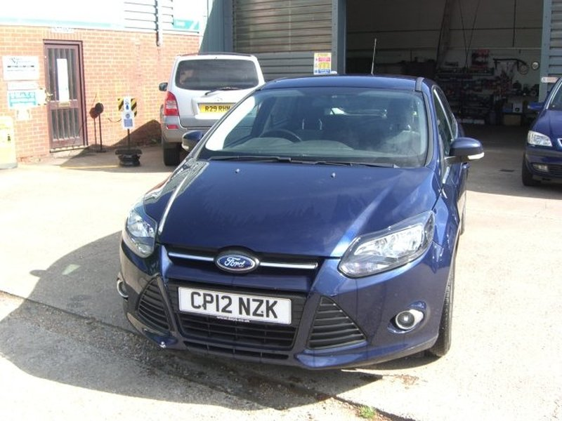 View FORD FOCUS T EcoBoost 100 Start-Stop Zetec