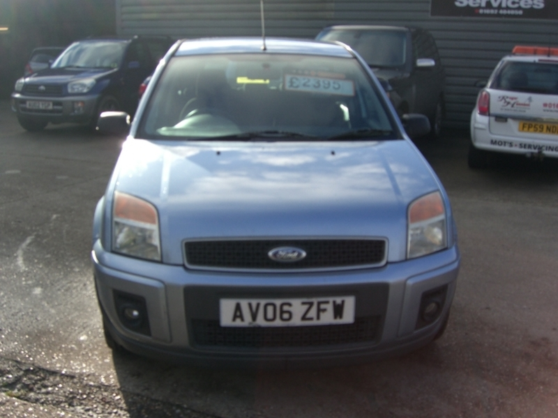 View FORD FUSION ZETEC CLIMATE 5 Door